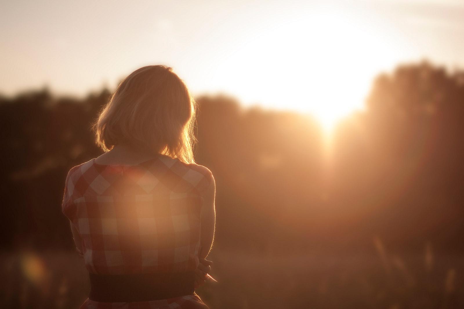 girl_sunset